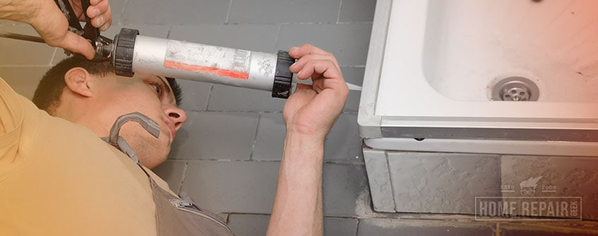 Applying bathroom caulk