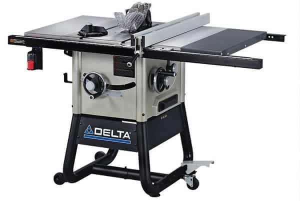 Contractor type table saw