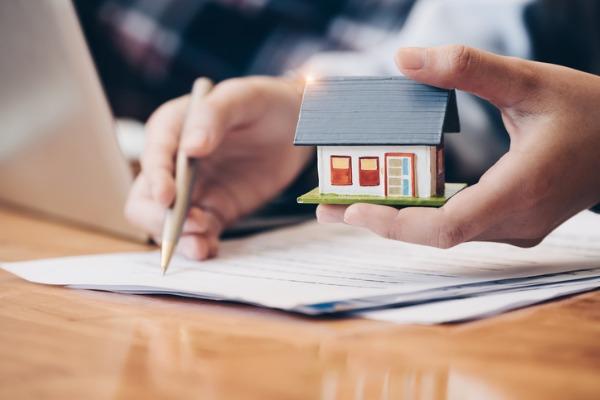 comparing home warranty vs insurance