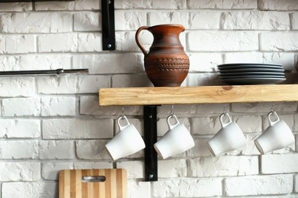 open-shelf-hanging-cups