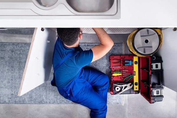 plumber fixing