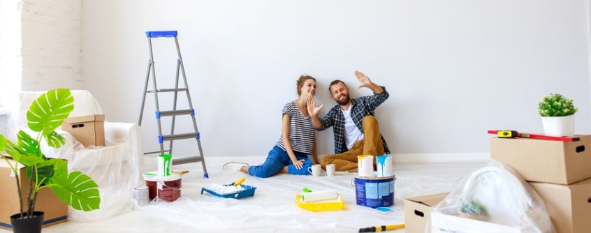 young-couple-planning-room-interior